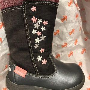 New See Kai Run Boots size 4 grey Hallie